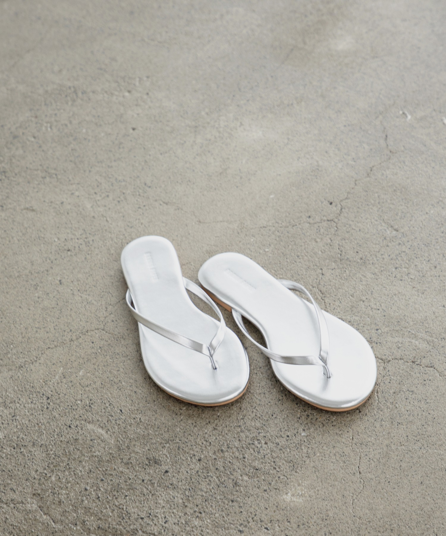 basic tong sandal