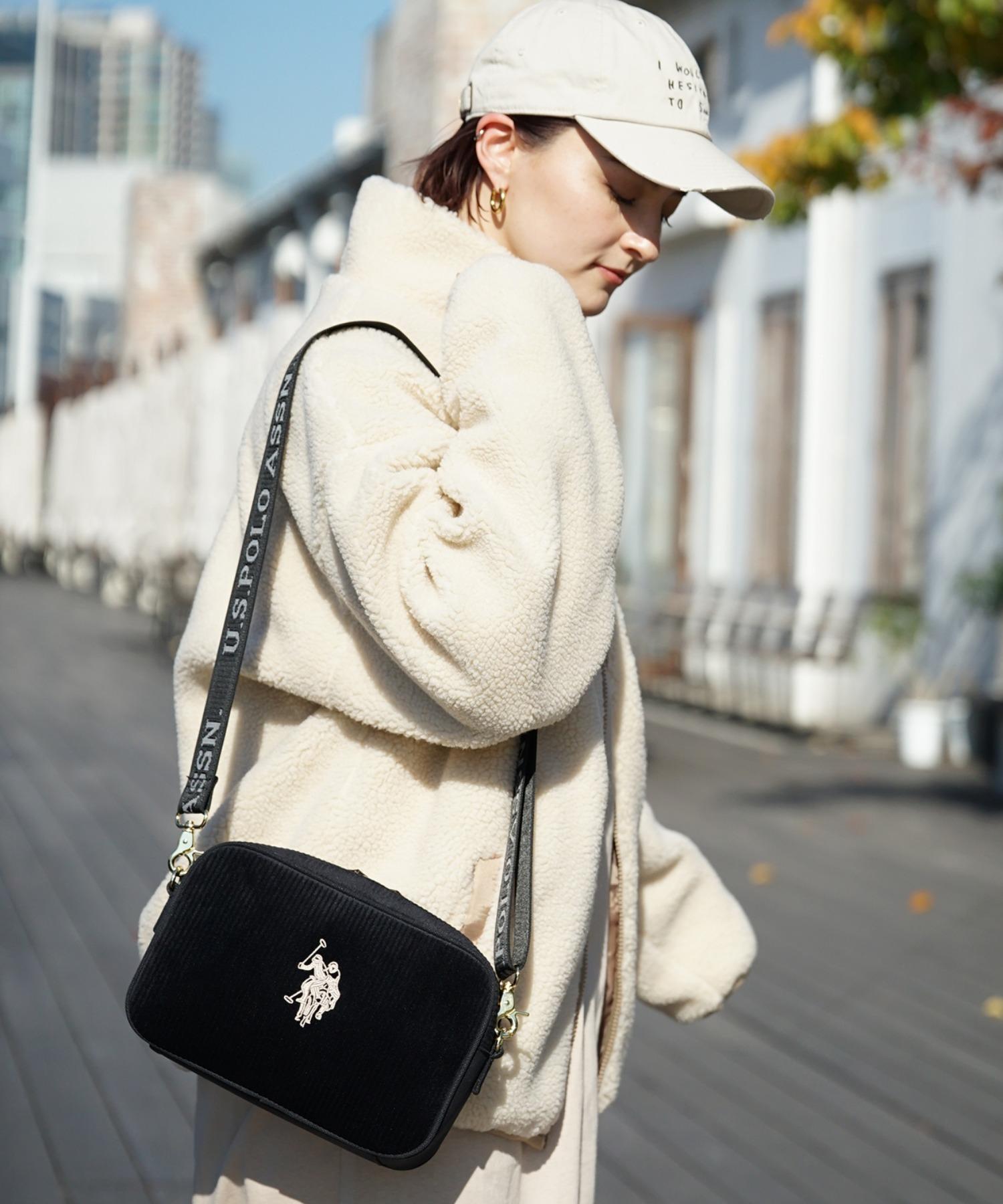 ASSNのレディースバッグ
