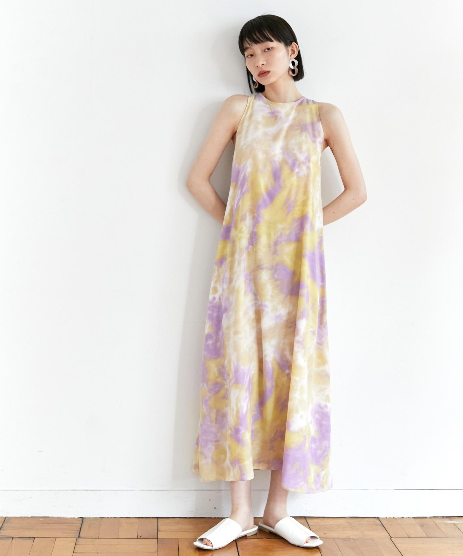【EMMA】水彩アートプリントバックオープンノースリーブワンピース