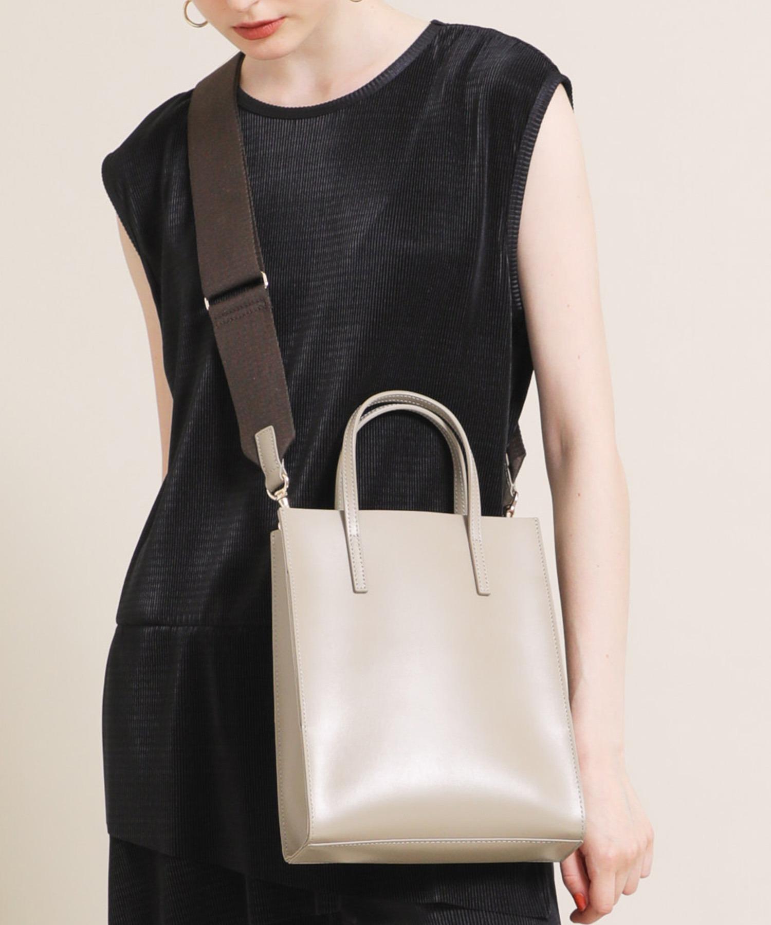 YAHKIのレディースバッグ