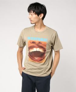 TELL ME MORE Tシャツ