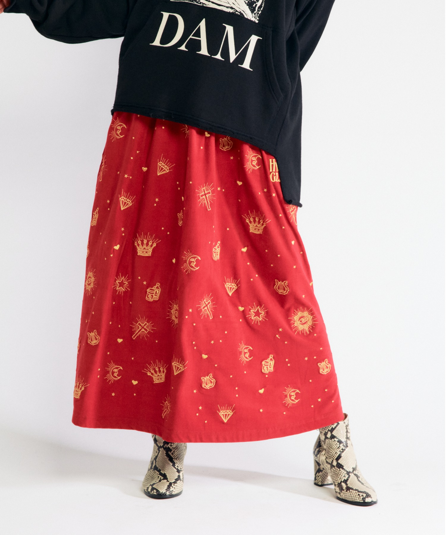 HYS LOGO GOTHIC柄刺繍 スカート