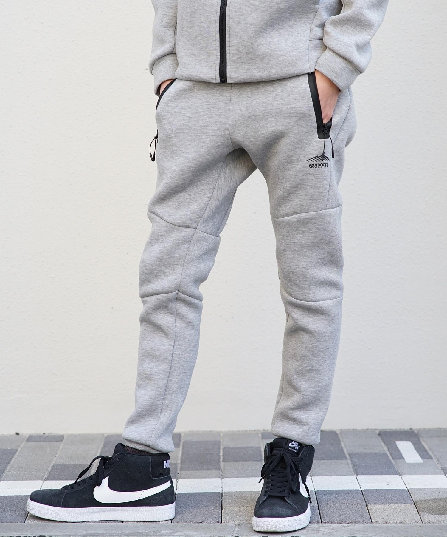 エアダンボールジョガーパンツ 柔軟なストレッチ性とハリのある素材 テーパードシルエット ワンポイントブランドロゴ