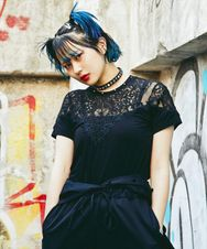 SPIDER LACE Tシャツ