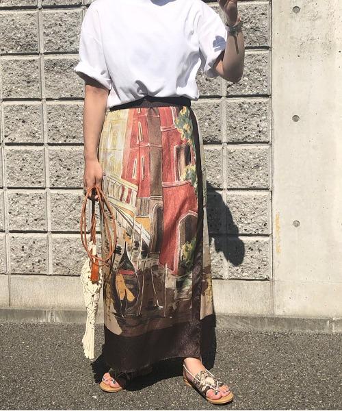 パネルプリントラップスカート
