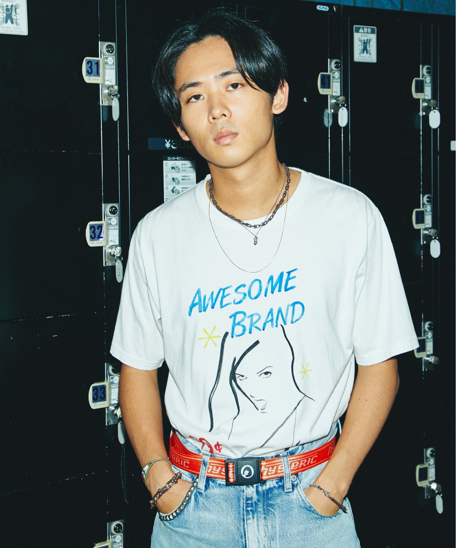 SIENA BARNES/AWESOME BRAND Tシャツ