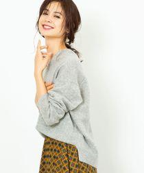 【手洗いできる】ラムウールVネックニット