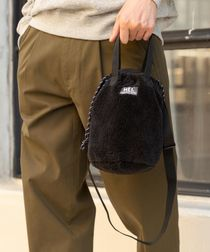 【女性にもオススメ】【WEB限定】MEI(メイ)別注ボアフリース巾着バッグ
