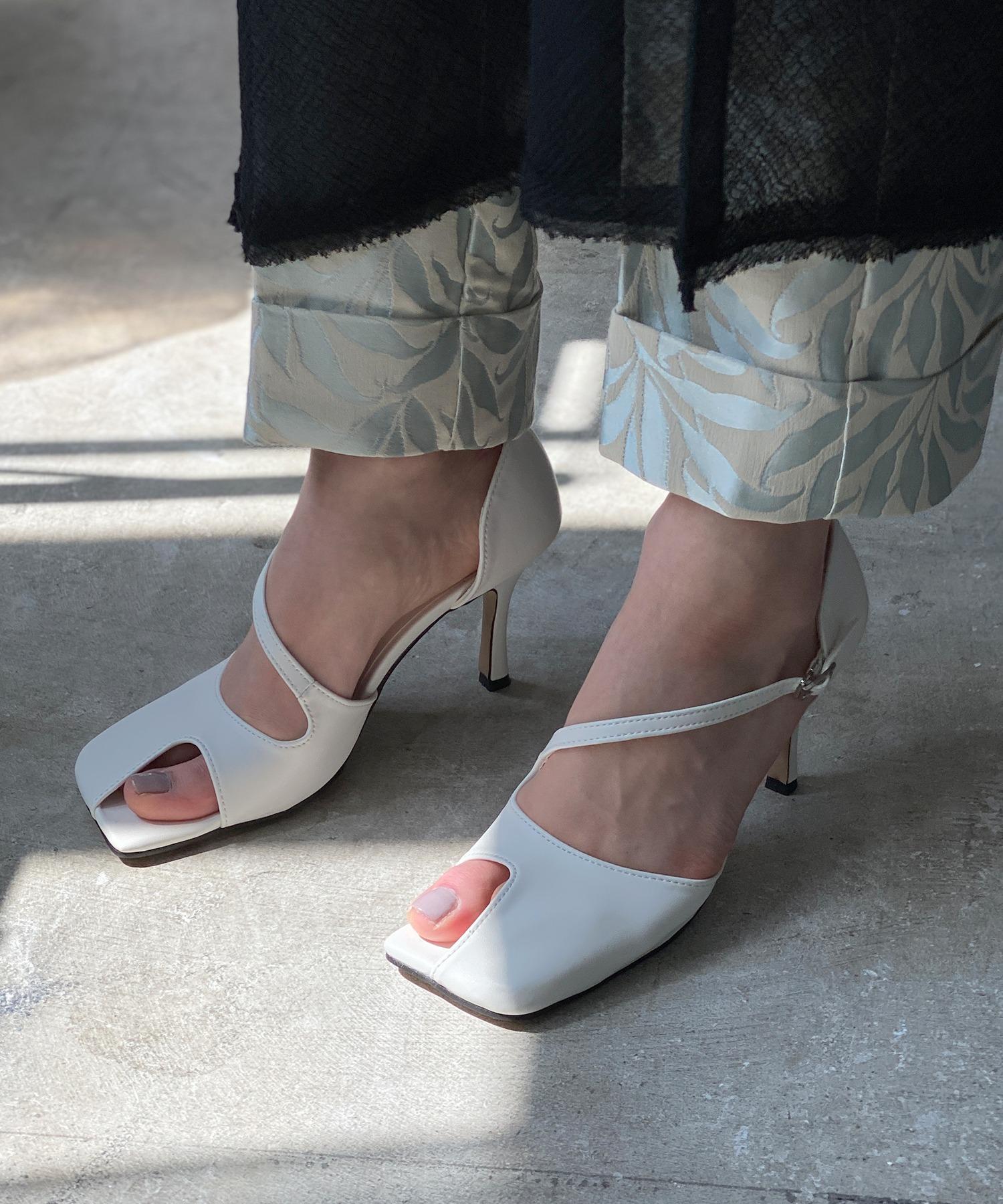 【chuclla】【2021/SS】Asymmetry cutting-toe pumps chs143