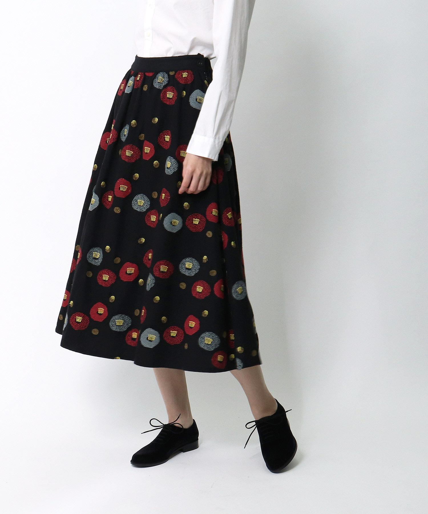 *【 marble sud / マーブルシュッド 】 EMBツバキラインスカート 07AF065028・・