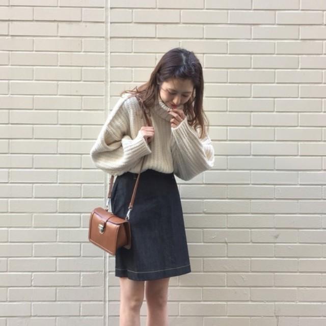 LAURIER PRESS(ローリエ プレス)のファッションまとめ「大きいバッグは野暮ったい! ミニバッグでモテもオシャレ感もゲット♡」