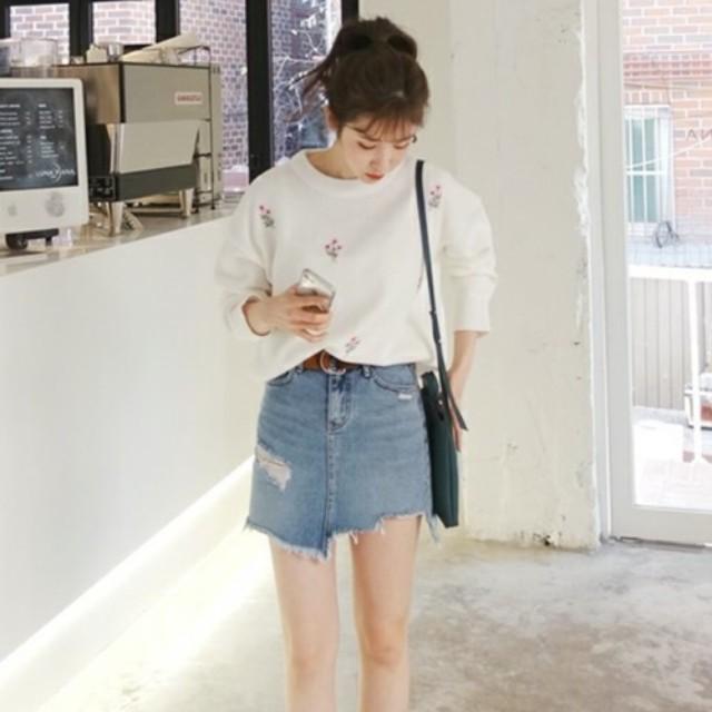 LAURIER PRESS(ローリエ プレス)のファッションまとめ「春だから♡ トレンドおしゃれなミニスカートで出かけよう!」