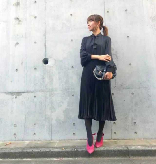 ストッキング コーデ 黒 【2018年版】女度UPな黒ストッキングのおすすめコーデ術♡