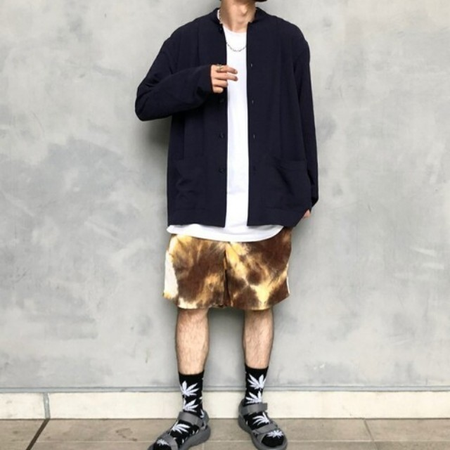 #CBK magazine(カブキマガジン)のファッションまとめ「大人がセレクトすべき、タイダイ柄の活用コーデ」