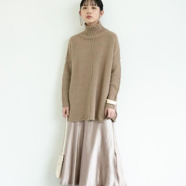 #CBK magazine(カブキマガジン)のファッションまとめ「2020秋はサテンをカジュアルに!つややかスカート&パンツのおしゃれな普段使いコーデ」