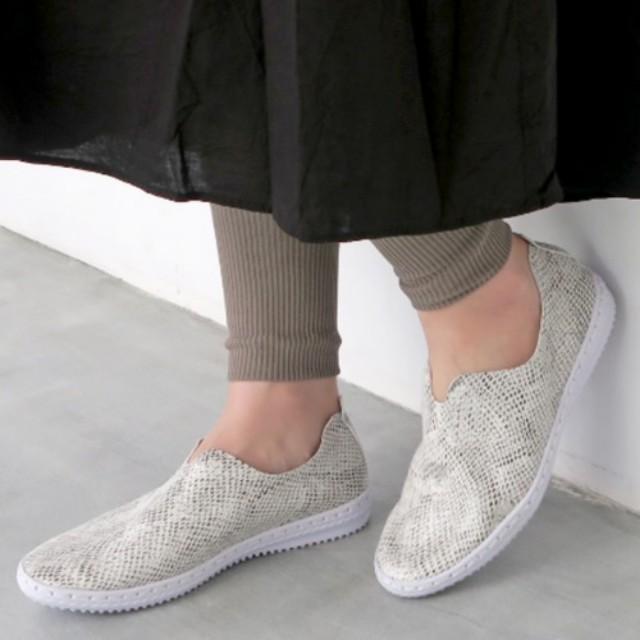 #CBK magazine(カブキマガジン)のファッションまとめ「ママコーデにおすすめのスニーカー特集!毎日使える一足をGETしよう♪」