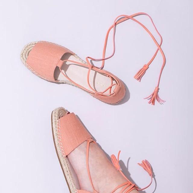 "LAURIER PRESS(ローリエ プレス)のファッションまとめ「この夏絶対欲しい""エスパドリーユ""でいつものコーデを格上げ♡」"