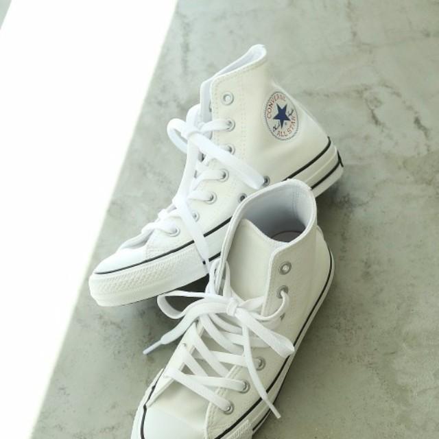 LAURIER PRESS(ローリエ プレス)のファッションまとめ「コンバースで楽ちんおしゃれ♡160cm以下でもかわいく見せるスニーカーコーデ」