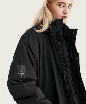 ENtER(エンター)のショップニュース「オーバーサイズでの着こなしを想定した独特なパターンを採用。アウトドアブランドには無い都会的な雰囲気に」